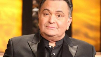 Photo of Emotional Moment: Rishi Kapoor funeral, latest updates
